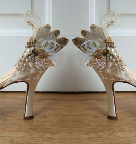 "Light + Antique Gold Bridal Peacock Pheasant Feathers Shoe Clips ""Cia"" in Vintage Lace (Pair) Bride"